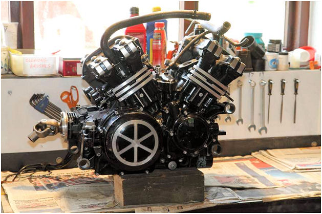 Vmax 1200 restoration project engine